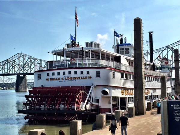 America's last operating all-steam paddlewheeler: The Belle of Louisville