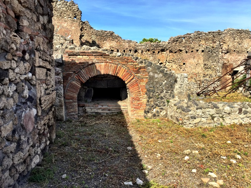 One of Vesuvius' community bread ovens