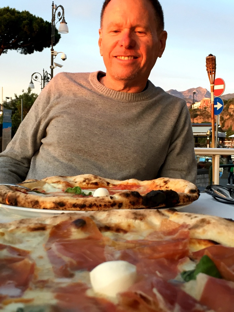 Our first meal in Sorrento: pizza!